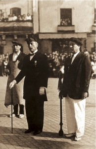 El General Eusebio Pedrós junto al Cabo de Hacheros, Martin Tellechea, y al Tambor Mayor, Antonio Estomba