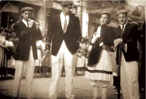 José Juan Ausín, Gonzalo Chausson, junto a la cantinera Mª Dolores Tolosa Barnechea