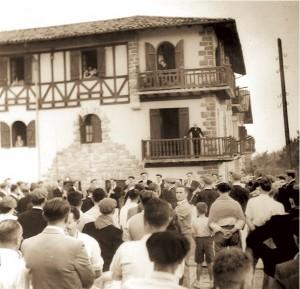 La Tamborrada en Beraun, tocado la Diana al General Eusebio Pedrós